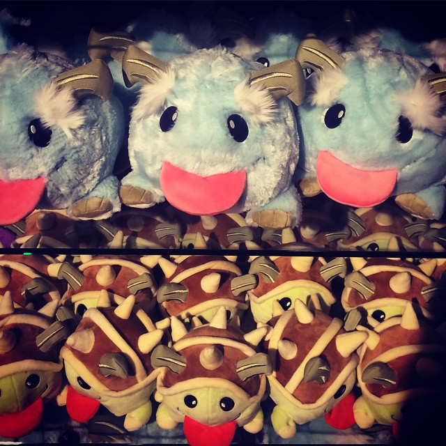 Poros and Rammus plushies at the @lolesports studios in Santa Monica. #losangeles