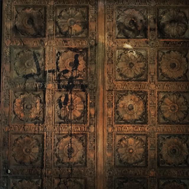 Doors in DTLA. #dtla #losangeles