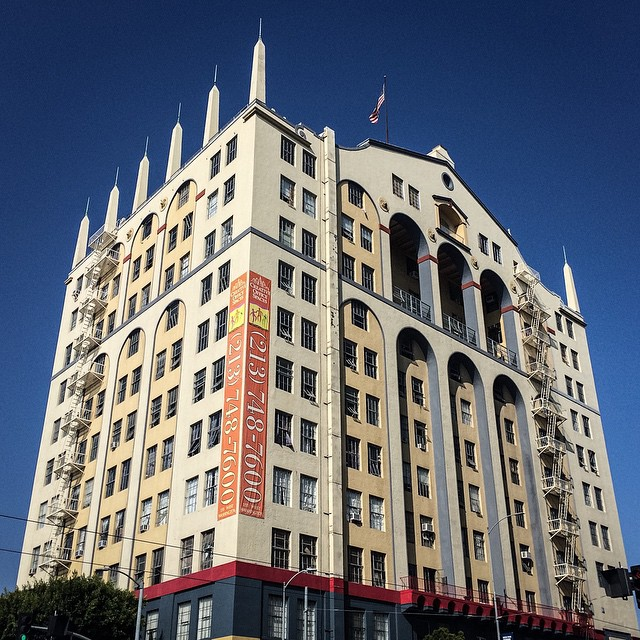The old Mode O'Day/Washington Furniture Building. Built in 1927, according to engraved plaque on the front. Odd-looking building, because it doesn't really have a specific style. #dtla #losangeles