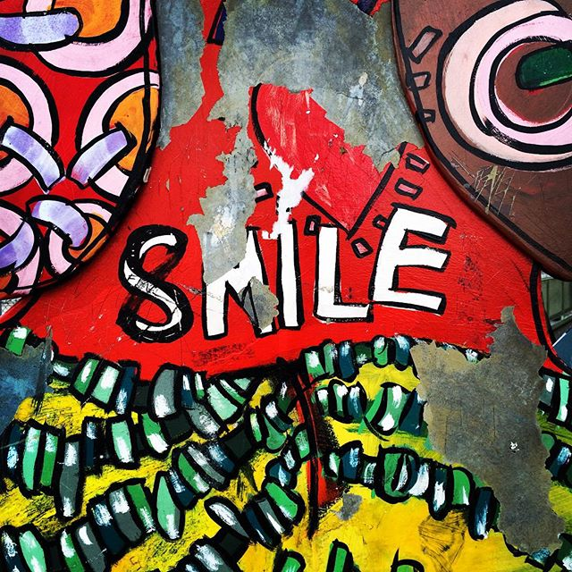 SMILE. An art thing at Willowbrook Station. Needs to be hashtagged, to be honest. #losangeles